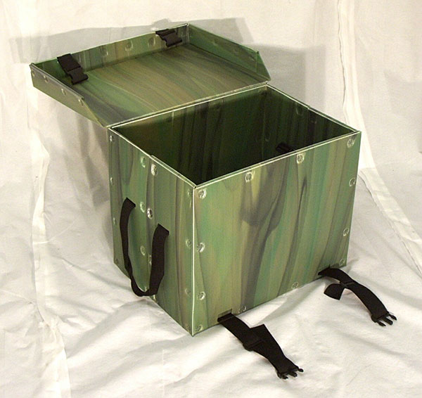Product sample security trunk green color swirl open