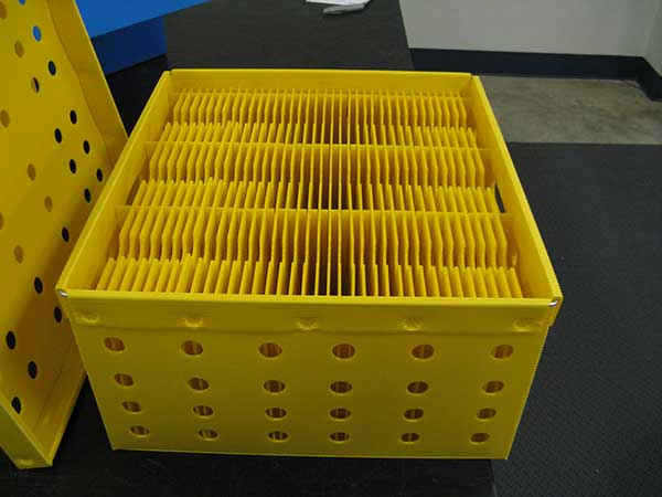 Customized plastic partition for boxes